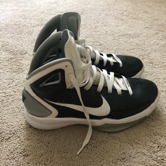 1b922213c47a Nike Hyperdunk Basketball Shoes High Top. M 5b523a26035cf15f18ba9d9d